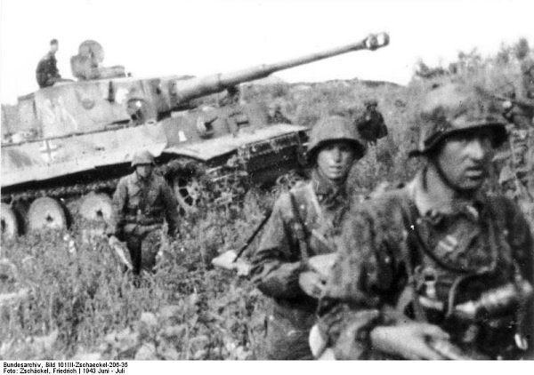 Los soldados de la División de las SS Panzergrenadier